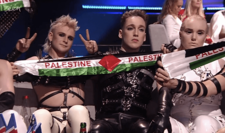 Eurovision Final Gecesinde Açılan Bayraklar